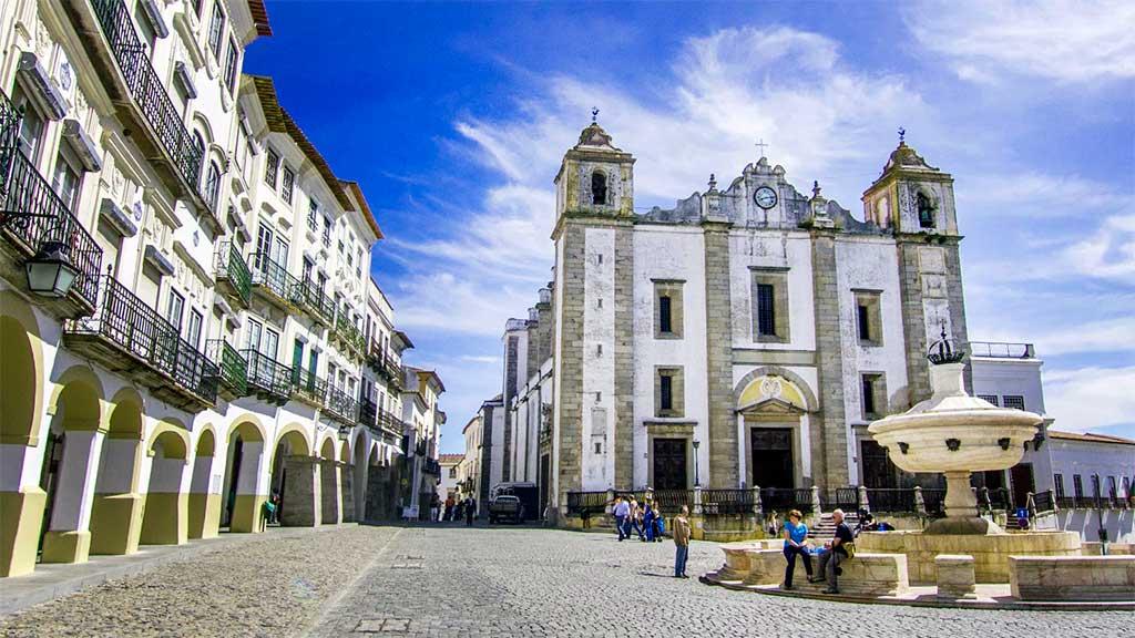 Виза в Португалию. Документы, необходимые для подачи заявления на её получение